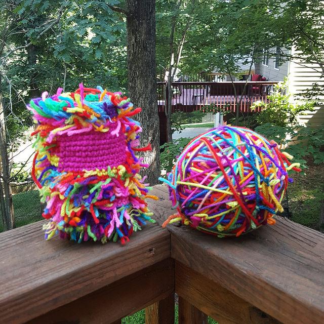 yarn scraps, crochetbug, use what you have, upcycle, crochet cat, amigurumi cat