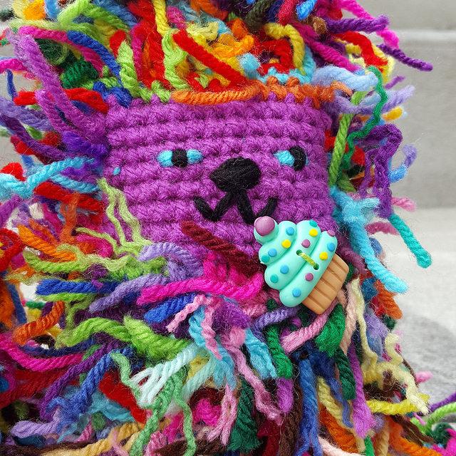crochetbug, scrap yarn crochet cat, amigurumi cat, crochet toy, cupcake