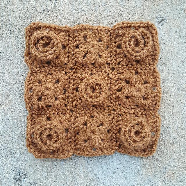 crochetbug, crochet roses, crochet flowers, crochet squares, granny squares, crochet blanket, crochet border