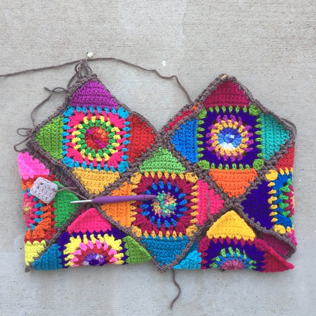 A future washable crochet bag with all ten granny squares in place