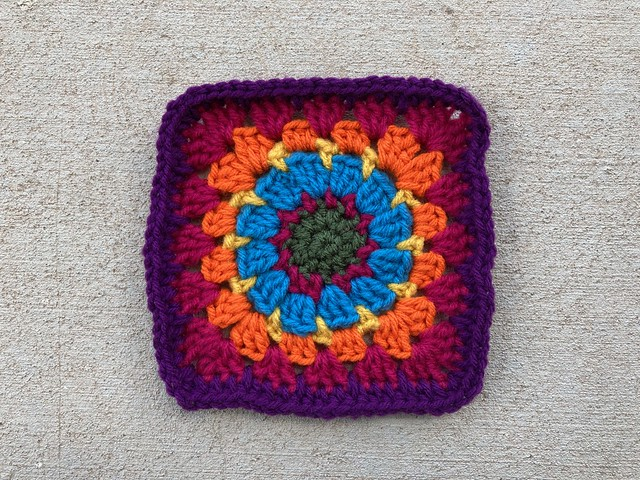 Crochet granny square G-1 reimagined