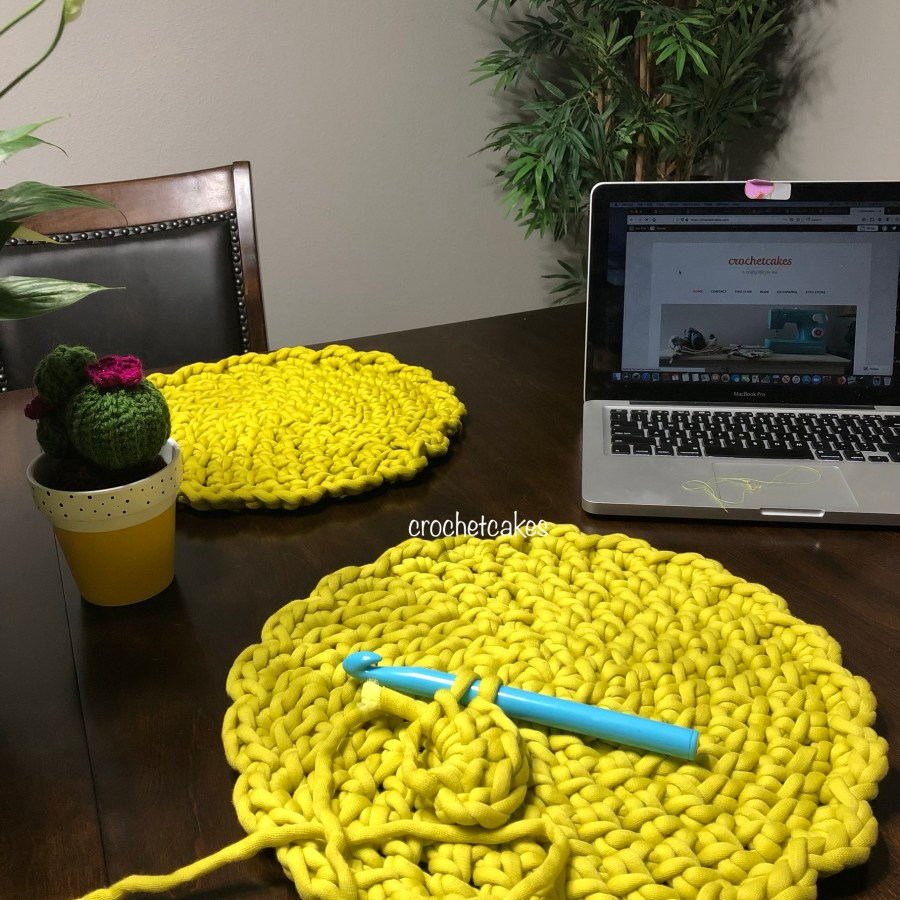 round crochet placemat