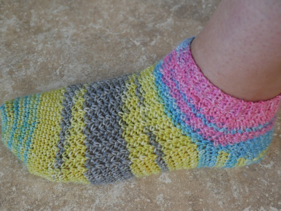 mani pedi yarn