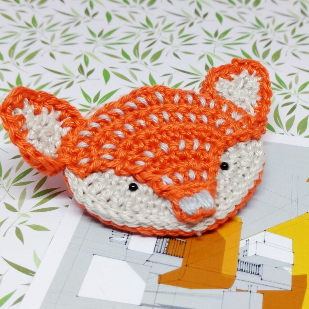 Crochet Fox Brooch - Free Crochet Pattern - Crochet Cloudberry