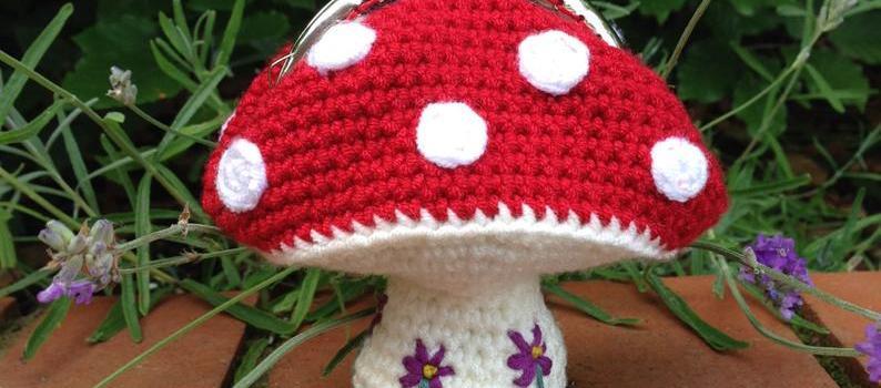 Toadstool Coin Purse Crochet Pattern by Lau Loves Crochet