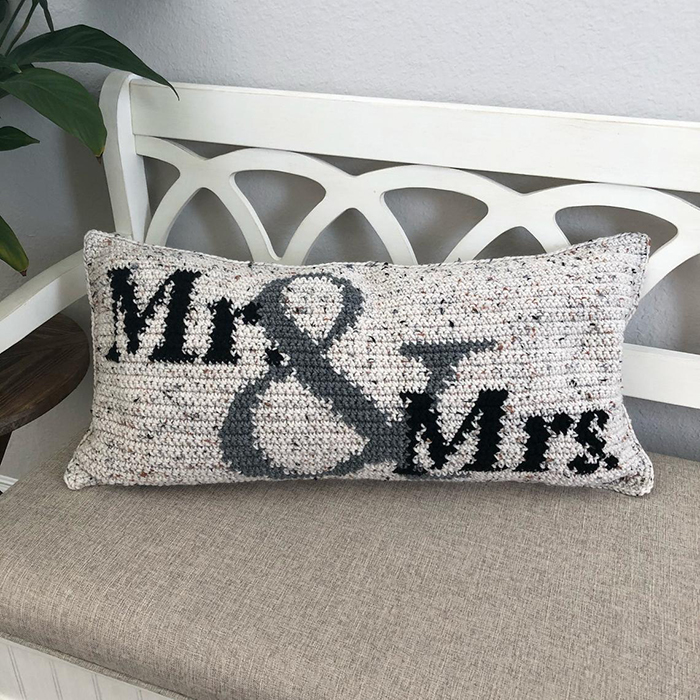 Mr. and Mrs. Crochet Pillow Pattern