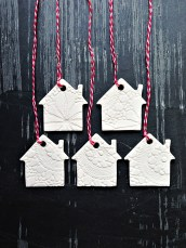 white houses christmas ornaments