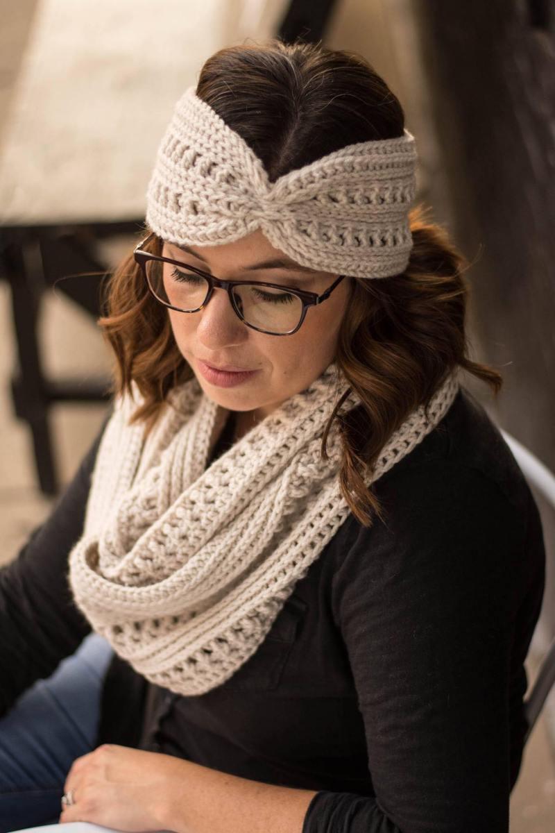 Ana Infinity Scarf Crochet Pattern
