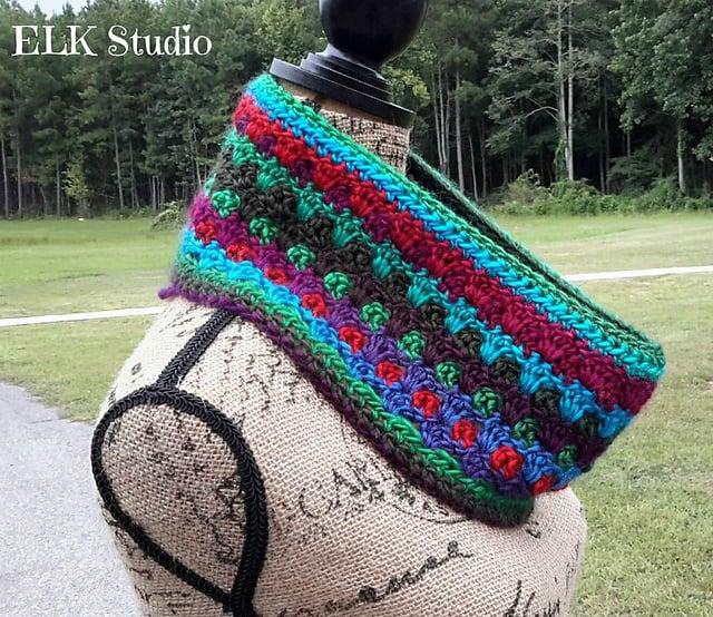 Free Crochet Pattern: Lookin' Lovely Cowl