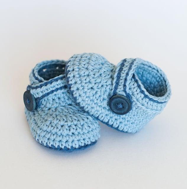 Free Crochet Pattern: Blue Whale Booties
