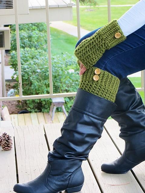 Free Crochet Pattern: Brooklyn Boot Cuffs and Mitts