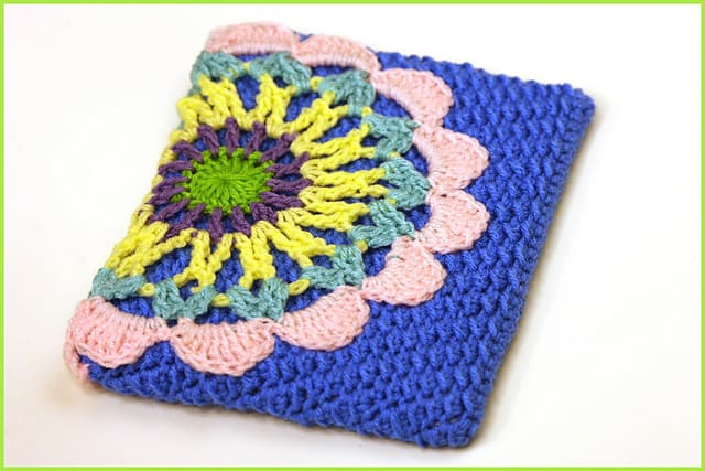 Free Crochet Pattern: iPad Case