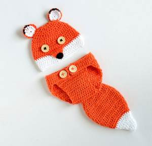 Free Crochet Pattern: Cute Fox Baby Photo Prop Set