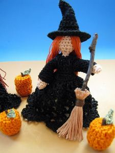 Link Blast: 10 Free Crochet Patterns for Witches