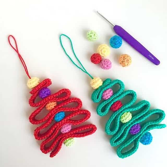 Free Crochet Pattern: Ribbon Christmas Tree