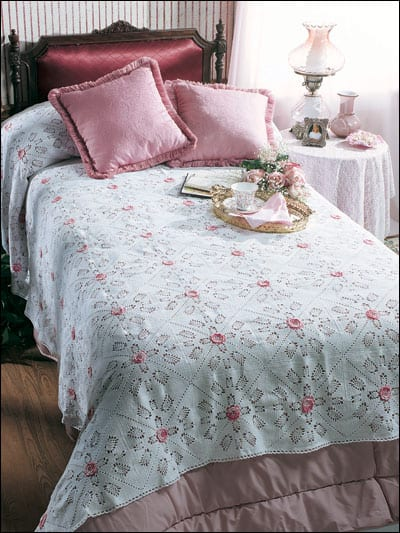 Free Crochet Pattern: Rosebuds in the Snow Bedspread