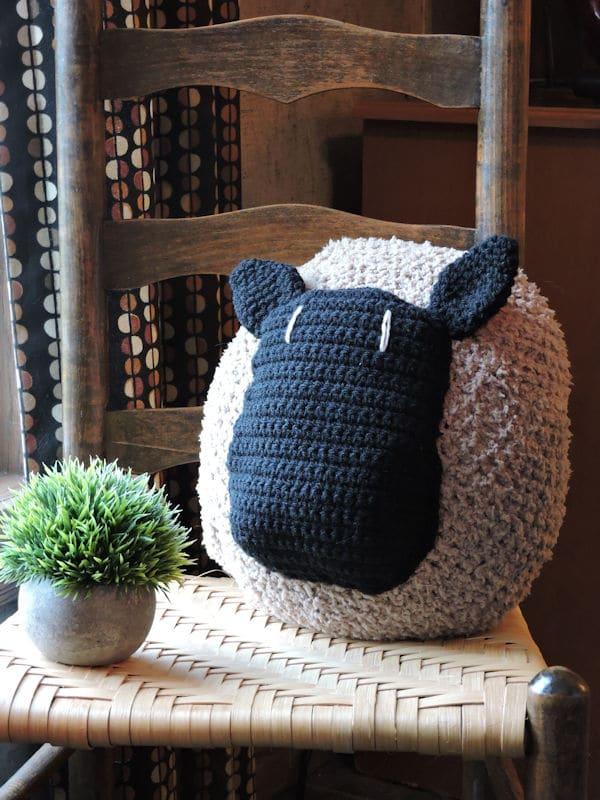 Love My Sheep Pillow Free Crochet Pattern Crochetkim