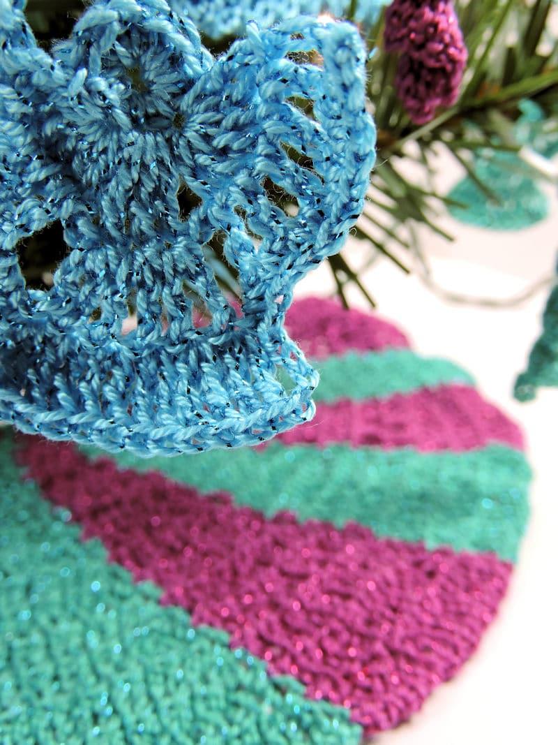 Christmas Tree Decorations for Table Top Christmas Tree | CrochetKim Free Crochet Patterns