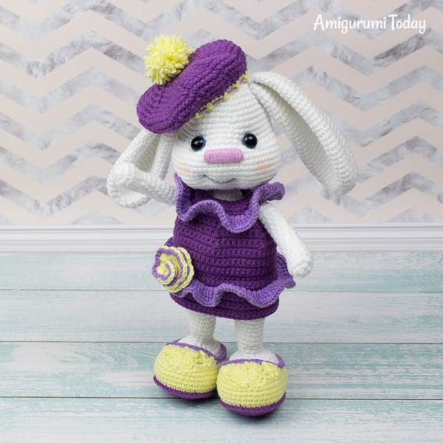 Pretty Bunny amigurumi in pink dress - Amigurumi Today | 640x640