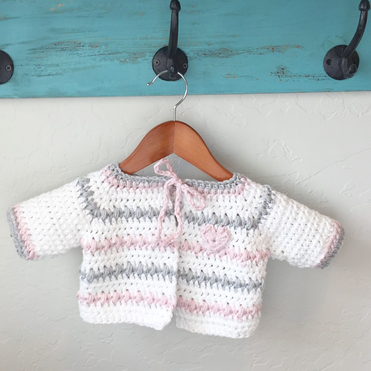 Crochet Baby Sweater Patterns Crochet Ba Sweater In White Pink And Gray Daisy Farm Crafts