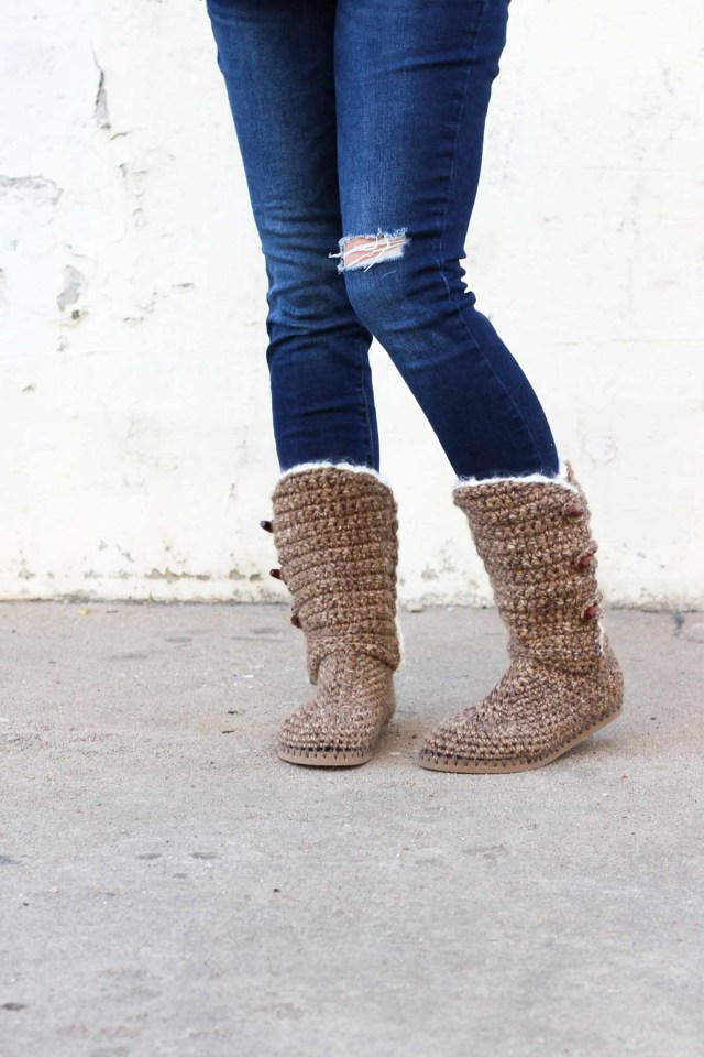 Crochet Boots Pattern For Adults Ugg Style Crochet Boots With Flip Flop Soles Free Pattern Video