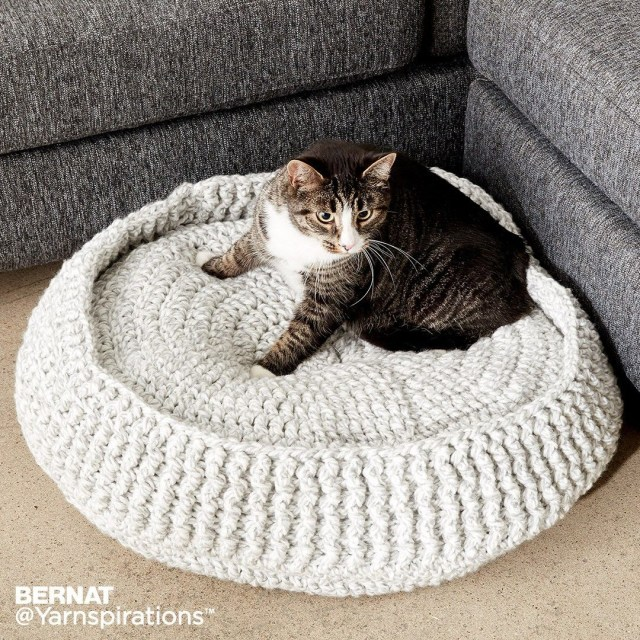 Crochet Cat Bed Pattern Free Crochet Pet Bed Crochet Charity Lets Make A Difference Free