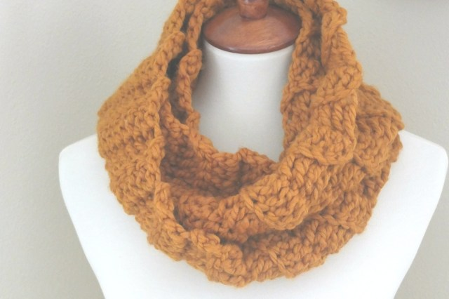 Easy Scarf Crochet Pattern Quick And Easy Crochet Infinity Scarf