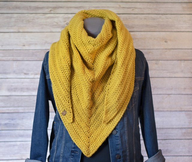Simple Crochet Scarf Patterns Quick And Simple Crochet Triangle Scarf Pattern Keamesha