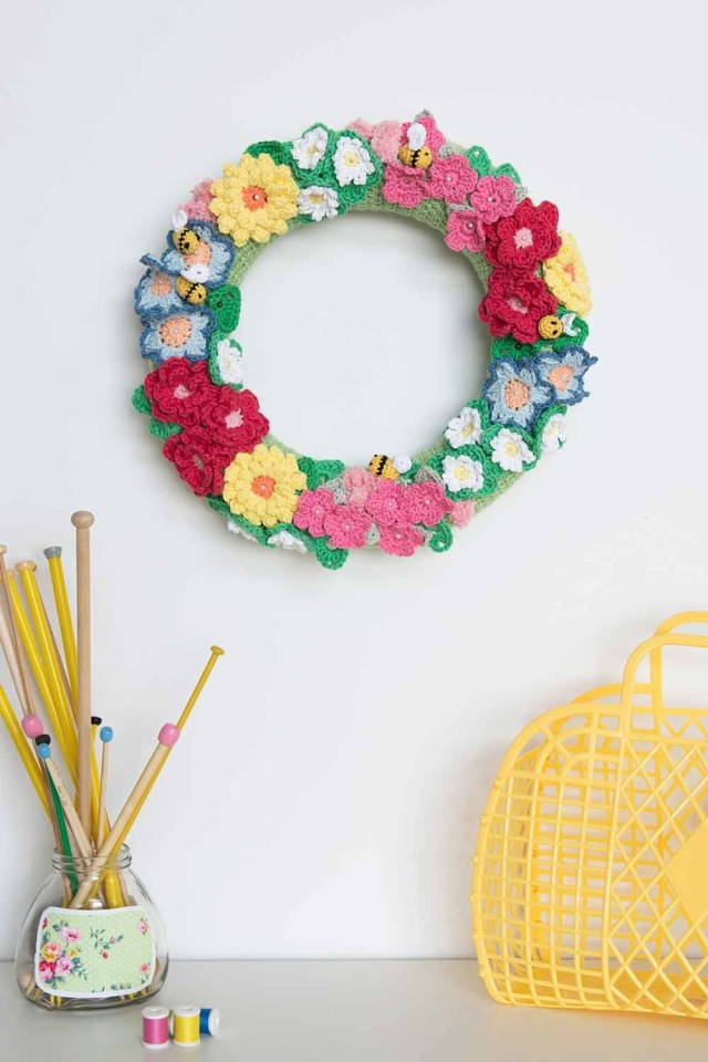 Small Crochet Flower Pattern 40 Crochet Flower Patterns And What To Do With Them Mollie Makes