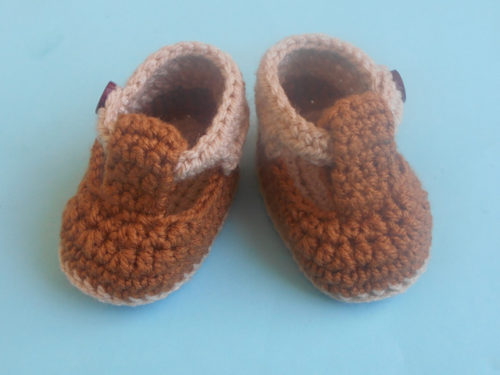 Baby Strap Booties by Aamragul of Crosiahome