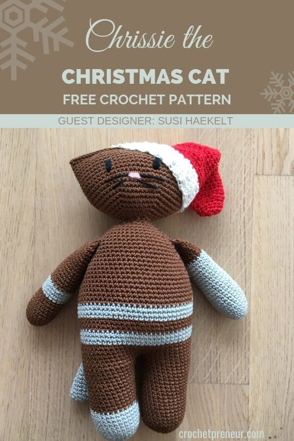 This amigurumi Christmas Cat is purrrfect! She's easy to make and will be bring delightful squeals to any child who gets to squeeze her. #amigurumichristmascat #amigurumicat #christmascat #christmascatcrochetpattern #catcrochetpattern #crochetforchristmas #christmascrochet