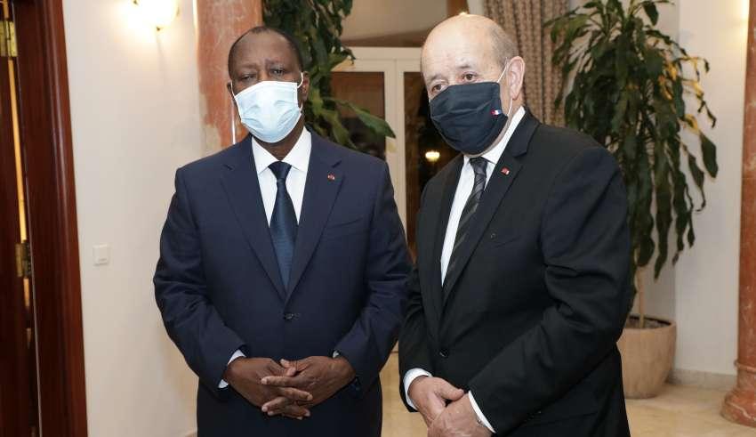 Jean-Yves Le Drian en Côte d'Ivoire pour sonner la fin de la récréation ivoirienne