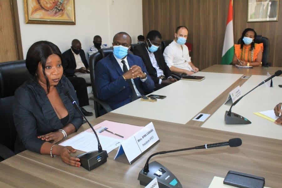 [Côte d'Ivoire] 137 correspondants de la presse étrangère reçoivent leurs accréditations pour l'année 2020