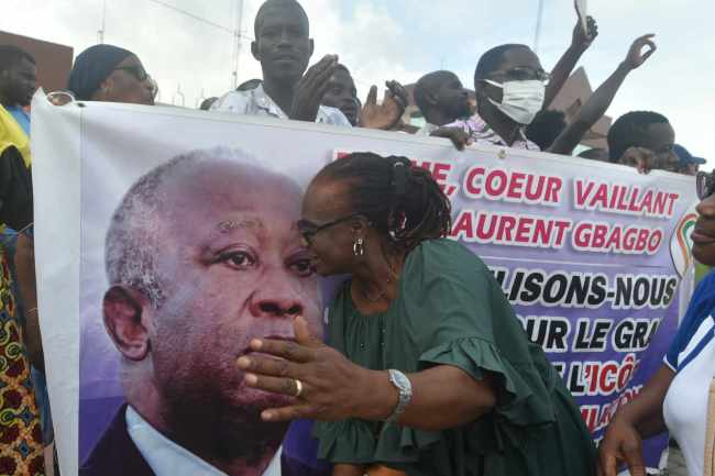 Une supportrice de Laurent Gbagbo à Abidjan, le 31 août 2020. SIA KAMBOU / AFP