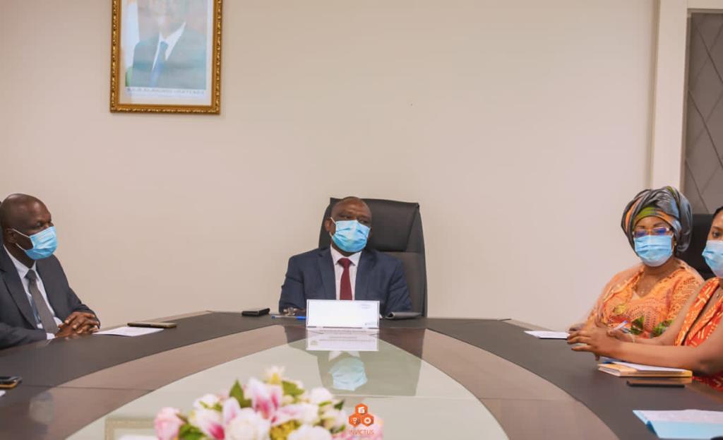 Rencontre des membres du RAVA et le Ministre de la réconciliation