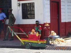 Un vendeur de noix de coco