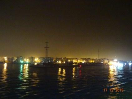 Entrée du Canal de Suez de nuit