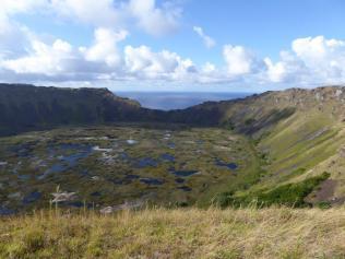 Escale a l Île de Pâques Volcan Rano Kau