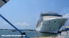 Escale à Cartagena en Colombie le Costa Luminosa à quai