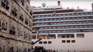 Croisière tour du monde Australe 2017 Costa Luminosa à quai au port de Valparaiso 7
