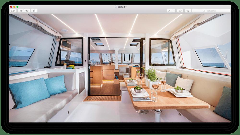 Le cockpit d'un catamaran croisiere