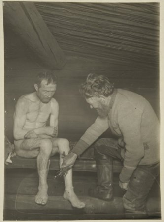 Healer Rotikko-Pekka treating an infected wound (Maaninka, 1927)