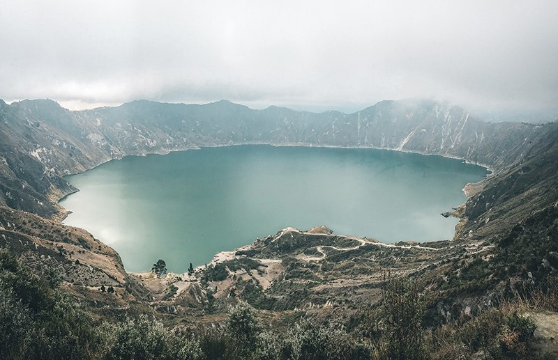 volcán y laguna de Quilotoa en Ecuador