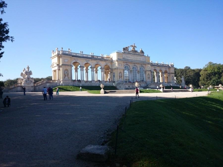 Glorieta en los jardines del Palacio Schönbrunn en Viena.