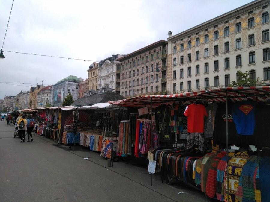 Mercado callejero de Naschmarkt.
