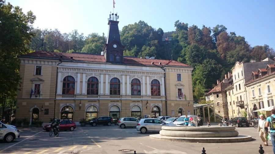 Qué ver en Liubliana. Plaza Vodnik,