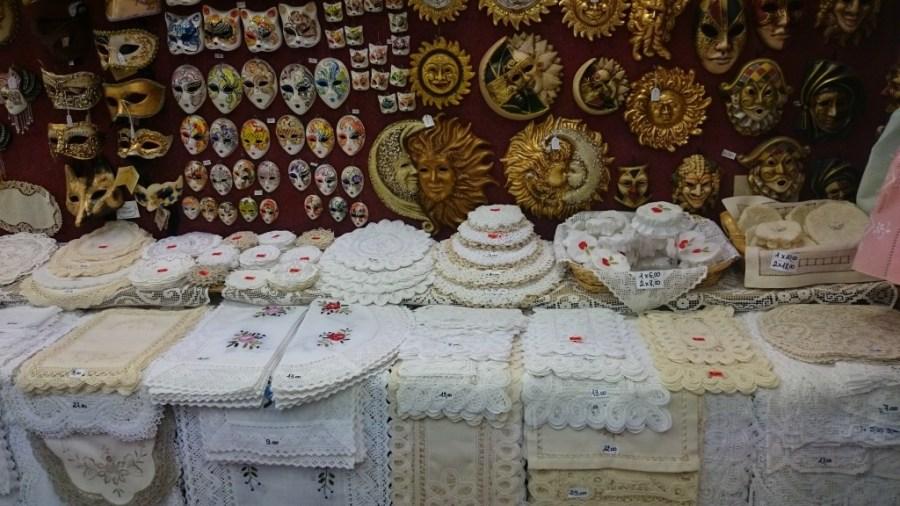 Productos de encaje de hilo, Burano.