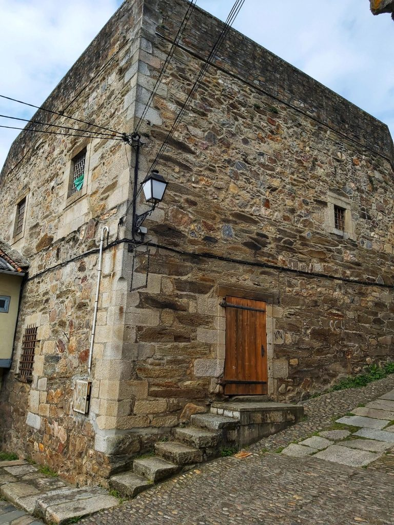 Qué ver en Monforte de Lemos. Antigua cárcel.