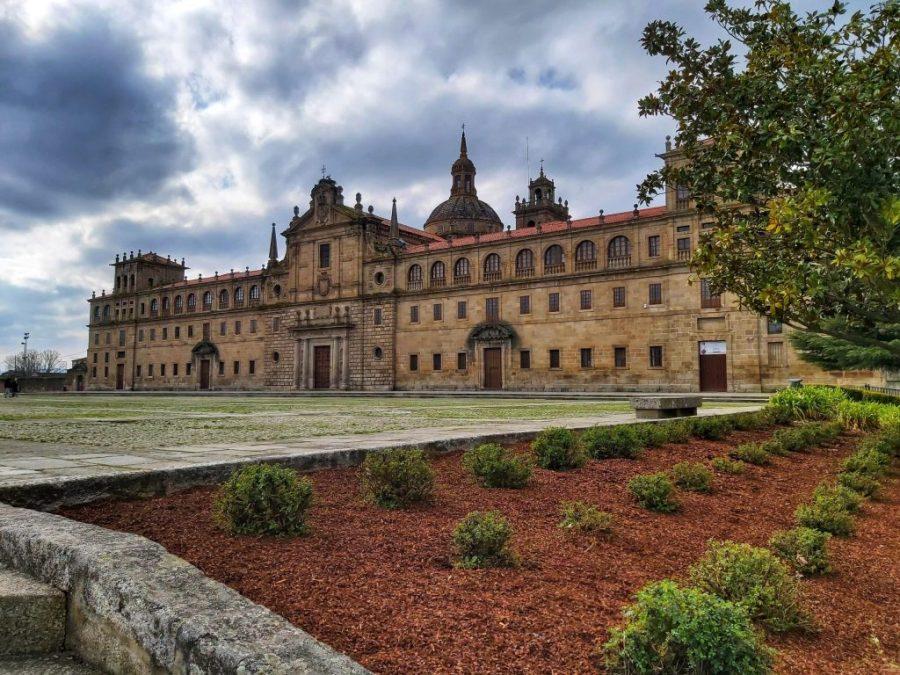 Qué ver en Monforte de Lemos. Escolapios, Colegio de Nuestra Señora de la Antigua.