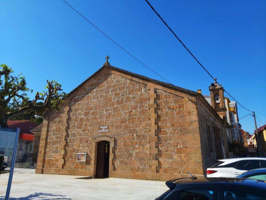 Qué ver en o Pindo, Iglesia de San Clemente